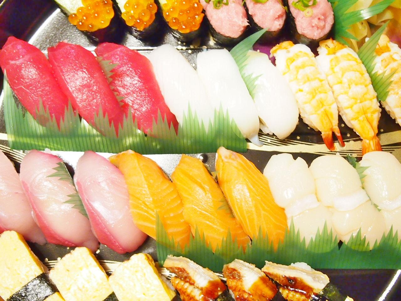 銀のさらの出前寿司
