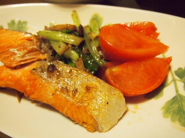 鮭とトマトと野菜炒め