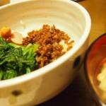 【食】そぼろご飯とお味噌汁