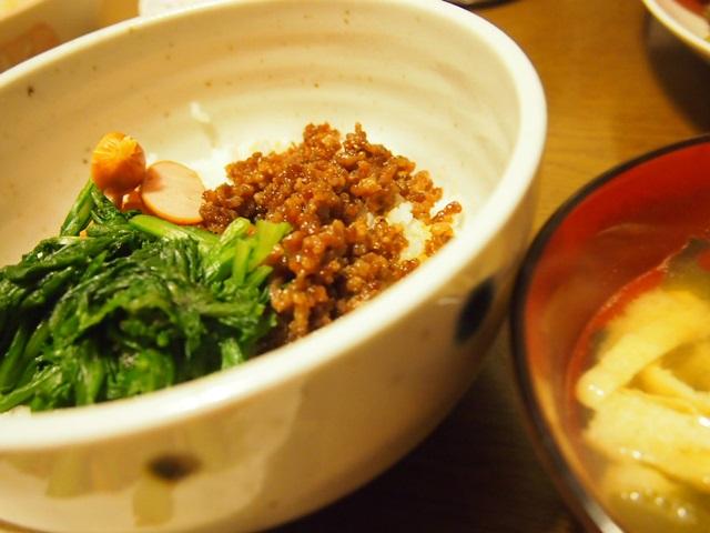 そぼろご飯とお味噌汁
