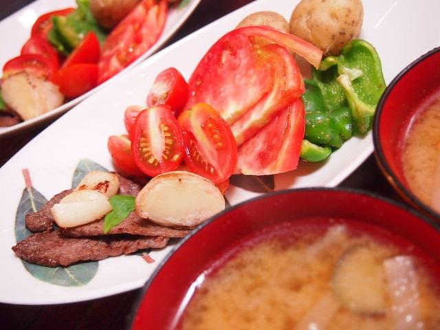 肉焼いたん、蒸し野菜