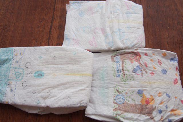 新生児用紙おむつ