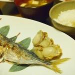 【食】アジの塩焼き、水菜のサラダ
